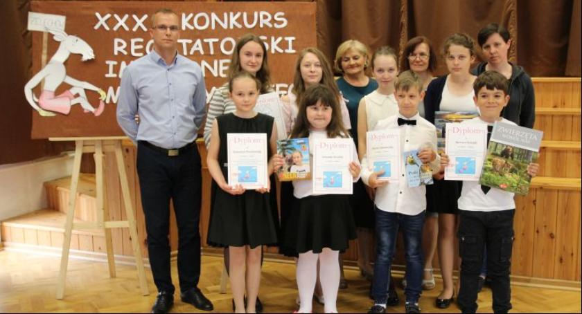 Poezja, Gminne eliminacje Konkursu Recytatorskiego Dzieci Kornela Makuszyńskiego Żelechowie - zdjęcie, fotografia