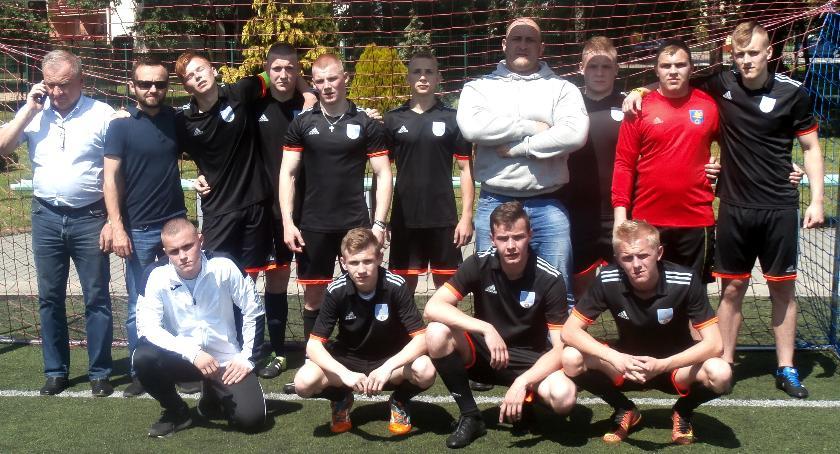 Piłka nożna, Borowie znowu Wicemistrzem Polski - zdjęcie, fotografia