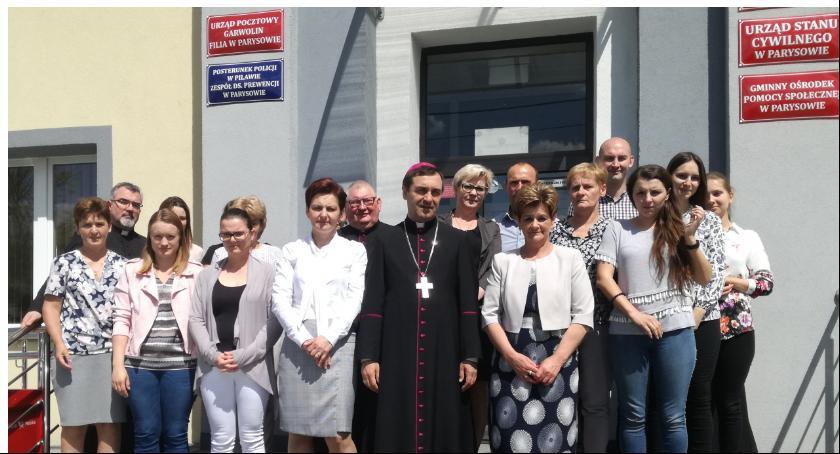 Spotkania, Biskup wizytą Parysowie - zdjęcie, fotografia