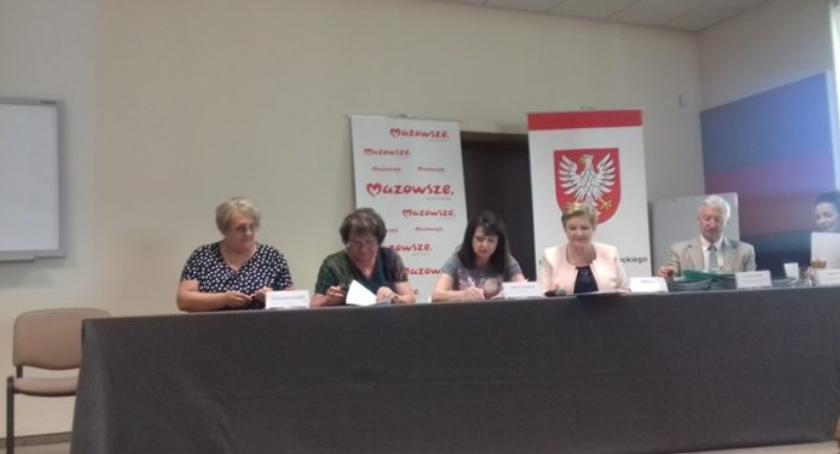 Inwestycje Powiat, Dofinansowanie drogę Władysławowie - zdjęcie, fotografia