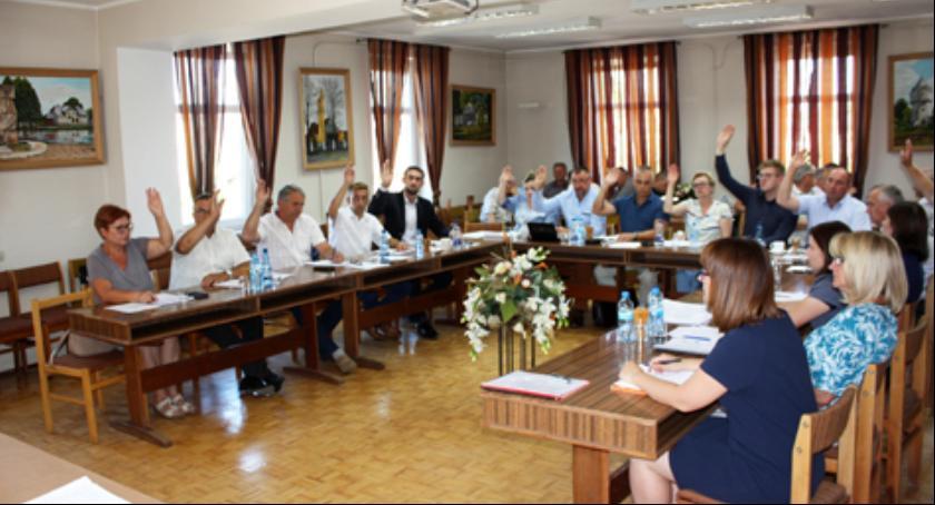 Inne Powiat, Burmistrz Pilawy absolutorium - zdjęcie, fotografia