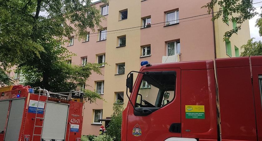 Pożar mieszkania w budynku wielorodzinnym w Garwolinie.