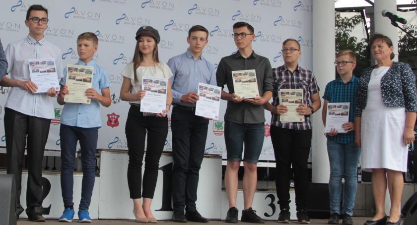 Inne Konkursy, Zwycięzcy konkursu historycznego nagrodzeni - zdjęcie, fotografia