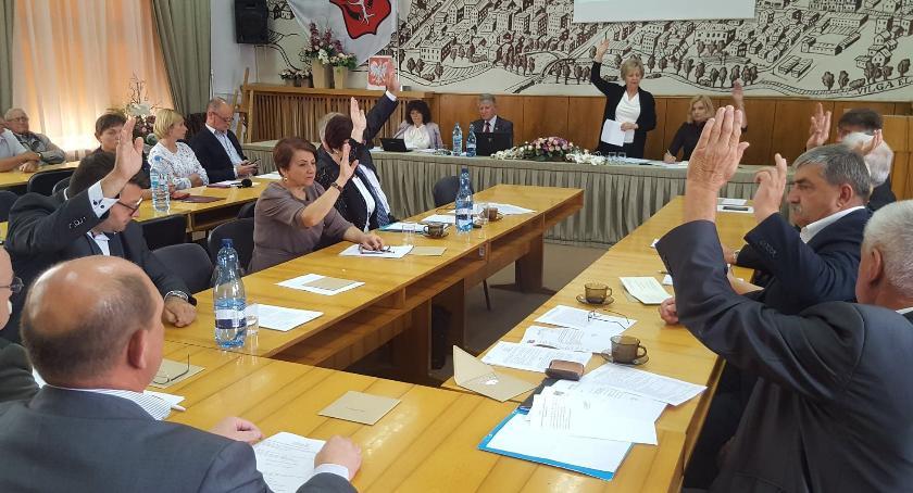 Inne Miejskie, Garwolin Burmistrz Mikulski absolutorium głosował przeciw - zdjęcie, fotografia