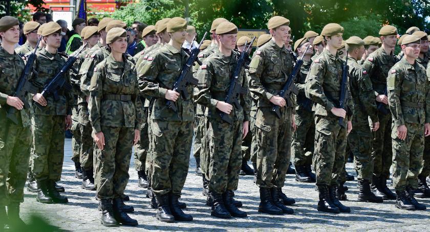 Inne Ciekawostki, Żołnierze Garwolina złożą przysięgę Płocku - zdjęcie, fotografia