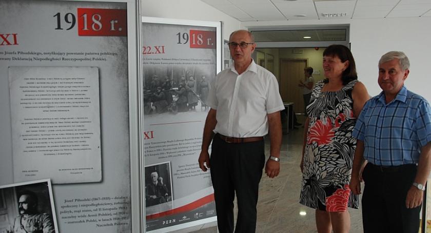 """Wystawy, drodze niepodległości"""" wystawa starostwie Garwolinie - zdjęcie, fotografia"""