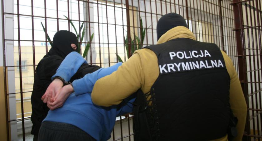 Sprawy kryminalne , Handlowali narkotykami –aresztowane osoby - zdjęcie, fotografia