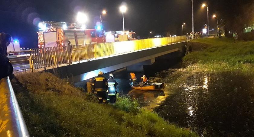 Inne Miejskie, Żona skoczyła mostu rzeki Zaskakujący finał poszukiwań samobójczyni - zdjęcie, fotografia