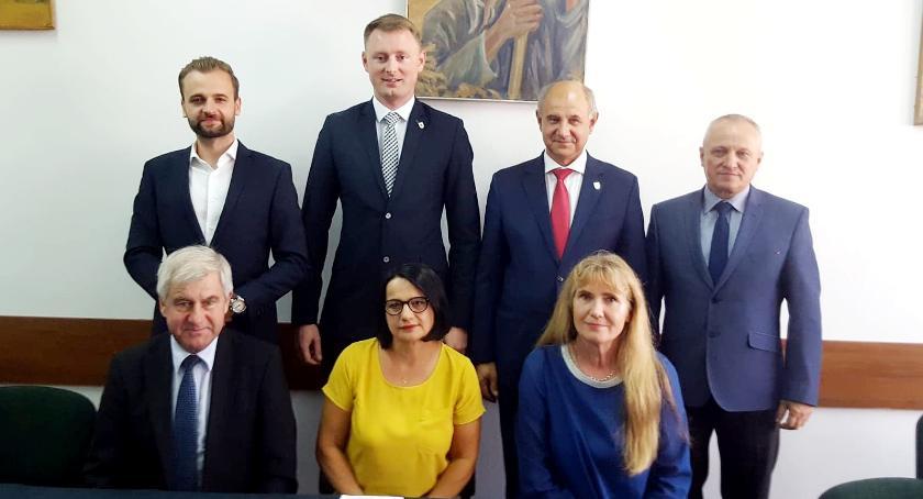 Wybory samorządowe 2018, Kandydaci radnych powiatu województwa - zdjęcie, fotografia