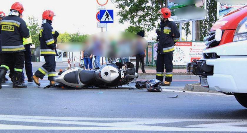 Wypadki drogowe , Wypadek– Kierujący motorowerem zginął miejscu - zdjęcie, fotografia