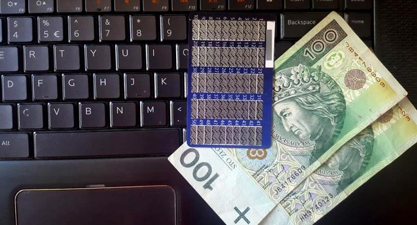 Sprawy kryminalne , Uwaga oszustów internecie! stracili pieniądze! - zdjęcie, fotografia