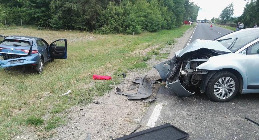 Wypadki drogowe , Wypadek kobieta zasnęła kierownicą - zdjęcie, fotografia