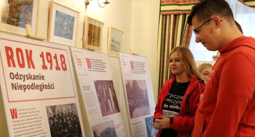 Historia, Wystawa Ośrodka Karta Miętnem - zdjęcie, fotografia