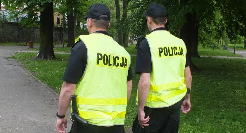 Sprawy kryminalne , Wyzywali grozili policjantom zabiją - zdjęcie, fotografia