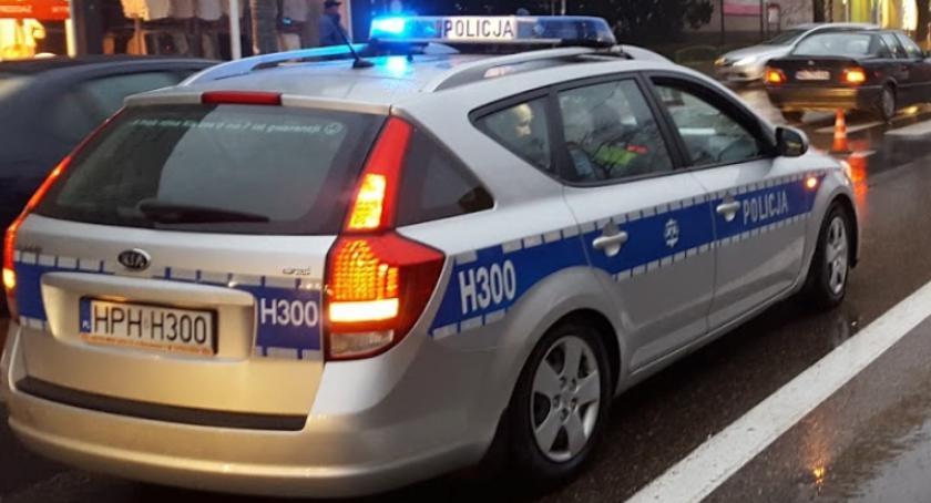 Wypadki drogowe , Poszukiwani świadkowie wypadku Garwolinie - zdjęcie, fotografia