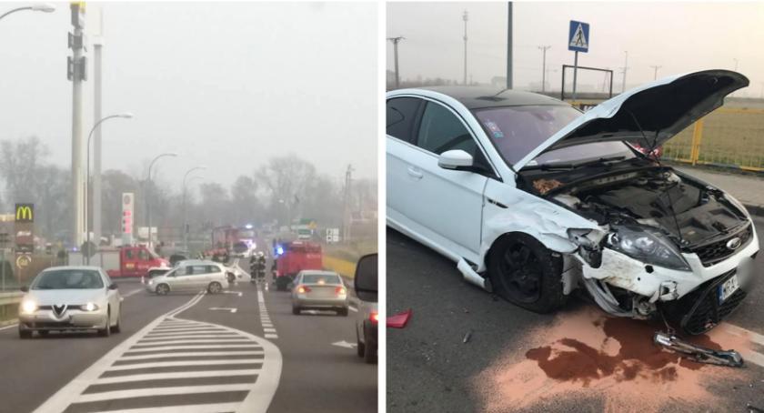 Wypadki drogowe , Wypadek stacji Shell Garwolinie utrudnienia - zdjęcie, fotografia
