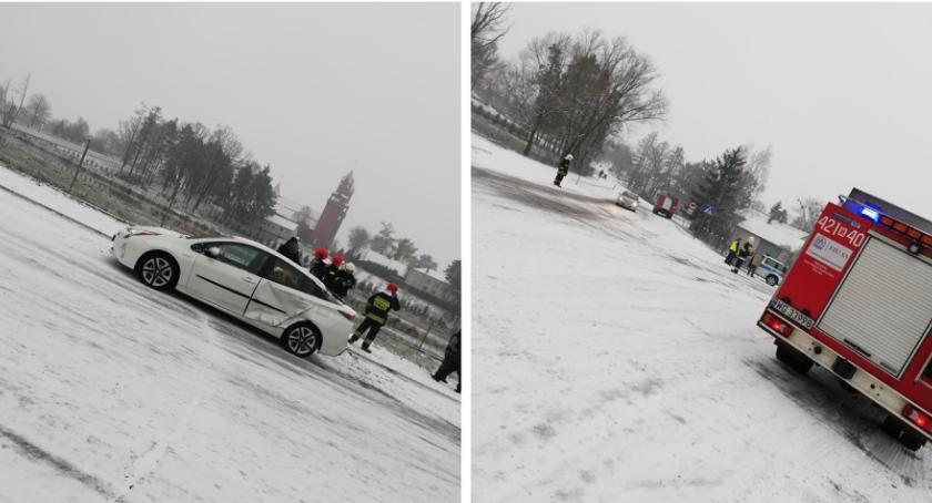Wypadki drogowe , Zderzenie samochodów Gończycach - zdjęcie, fotografia