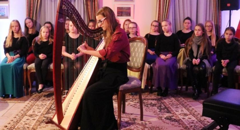 Koncerty, Bohaterzy czasu pokoju wystąpili Miętnem - zdjęcie, fotografia