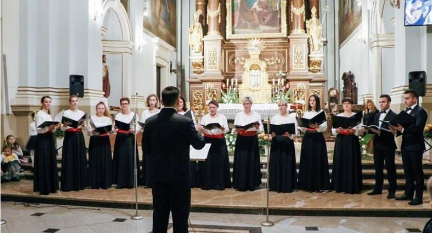 Koncerty, Śpiewająco wspominali Cecylię - zdjęcie, fotografia