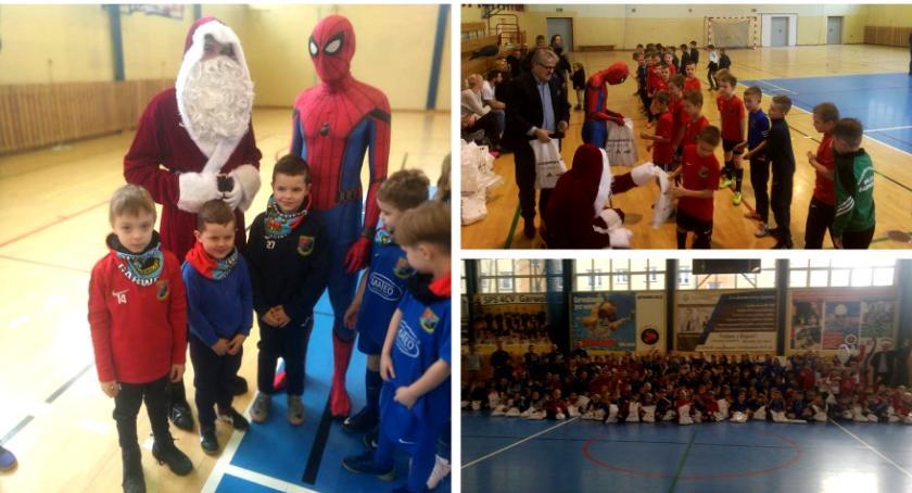 Inne Miejskie, Świąteczne spotkanie Akademii Piłkarskiej Wilga Garwolin - zdjęcie, fotografia
