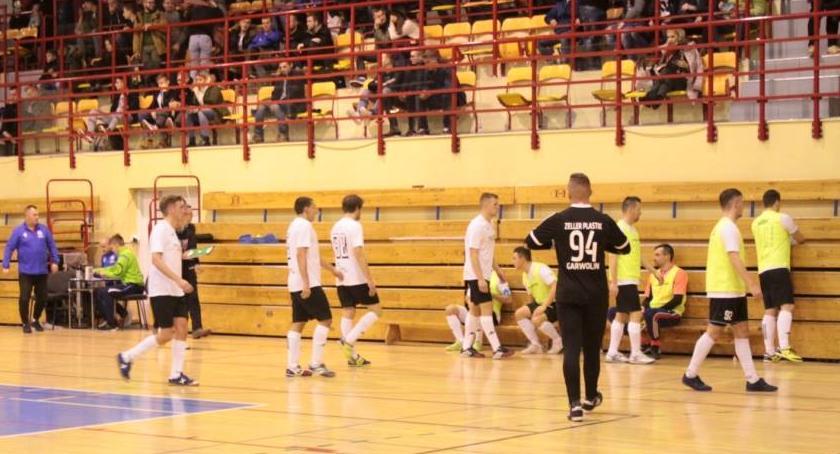 Piłka nożna, Zdrowie wyeliminowało ligowca - zdjęcie, fotografia