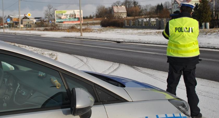 Komunikaty policji , kaskadowy pomiar prędkości - zdjęcie, fotografia