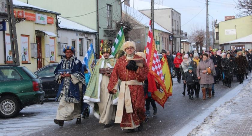 Inne Ciekawostki, Orszak Trzech Króli przeszedł ulicami Łaskarzewa - zdjęcie, fotografia