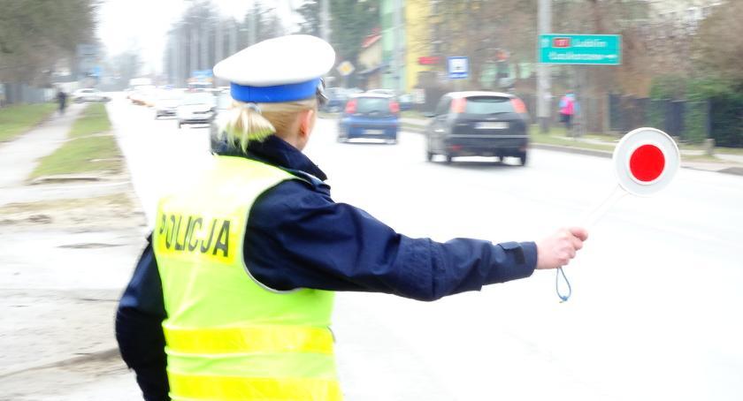 Sprawy kryminalne , Pijany ojciec dziećmi samochodzie jechał ponad - zdjęcie, fotografia