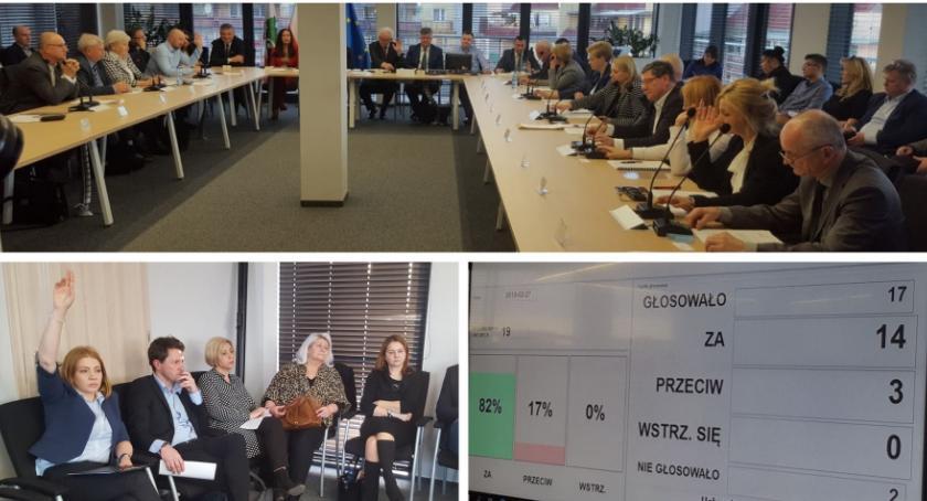 Inne Powiat, Zamiar likwidacji przegłosowany dalej PCKiP Miętnem - zdjęcie, fotografia