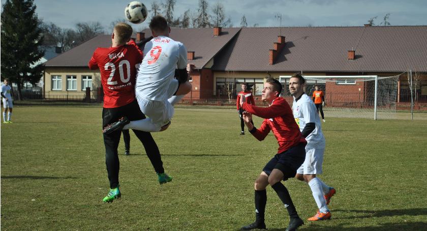 Piłka nożna, Pierwsze sparingowe zwycięstwo - zdjęcie, fotografia