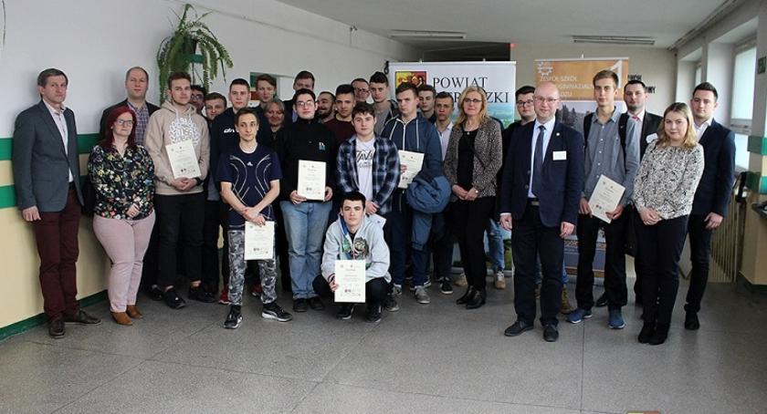 Inne Ciekawostki, Uczniowie Miętnego podium Ogólnopolskim Konkursie Wiedzy Energetyce Odnawialnej - zdjęcie, fotografia