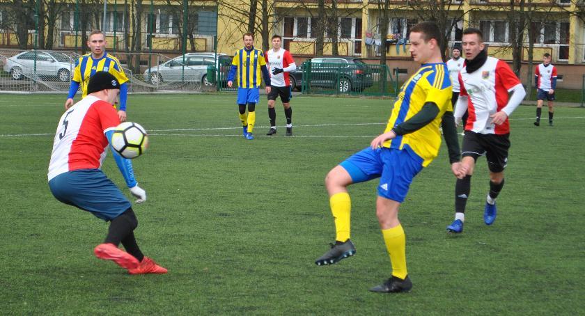 Piłka nożna, Porażka zakończenie okresu przygotowawczego - zdjęcie, fotografia