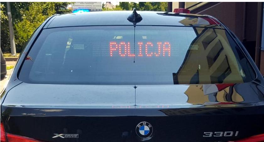 Komunikaty policji , Kontrolują prędkość zatrzymali jazdy - zdjęcie, fotografia