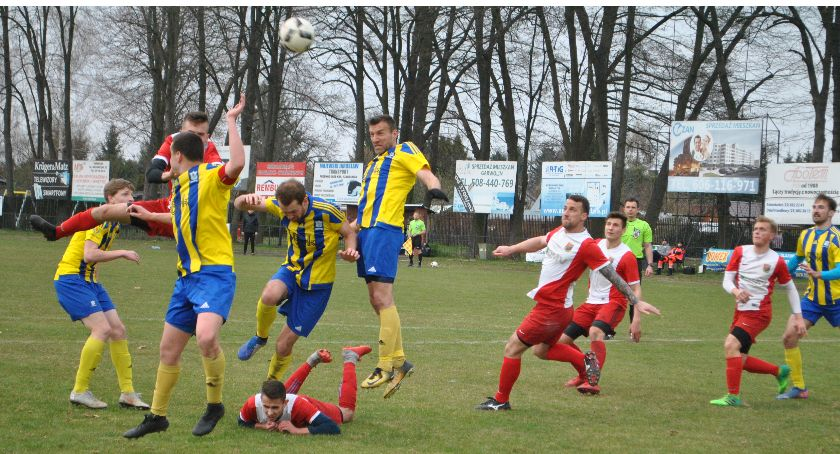 Piłka nożna, Wilga wreszcie zapunktowała - zdjęcie, fotografia