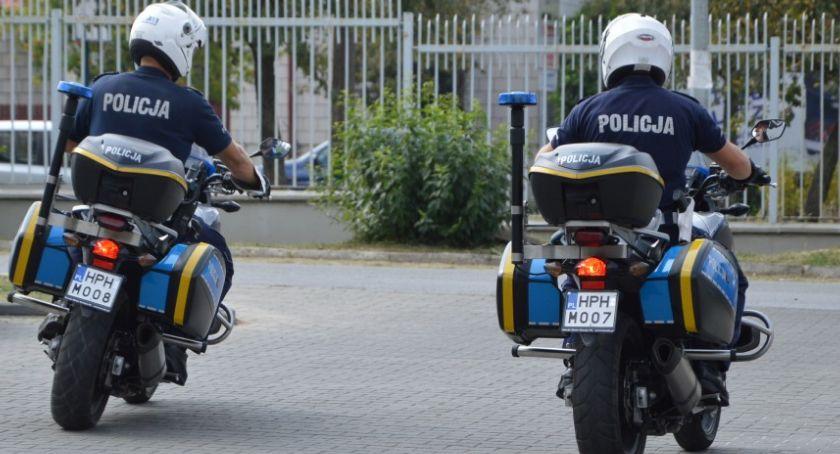 Komunikaty policji , Policyjne motocykle wyruszyły drogi - zdjęcie, fotografia