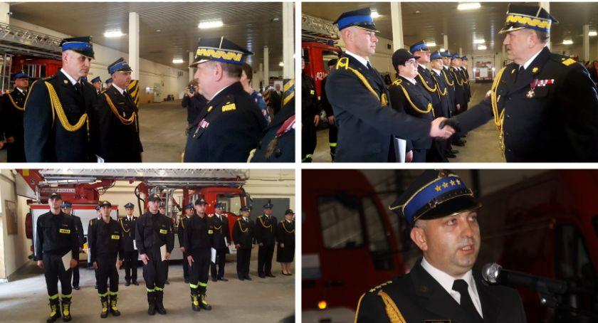 Uroczystości Miejskie, Strażacy awansowani wyższe stopnie służbowe - zdjęcie, fotografia