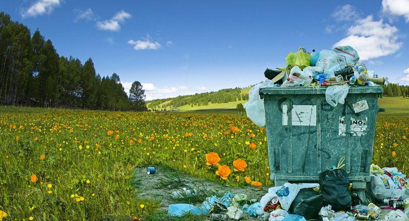 W Powiecie, Sprzątanie Miętnego sobotę! - zdjęcie, fotografia