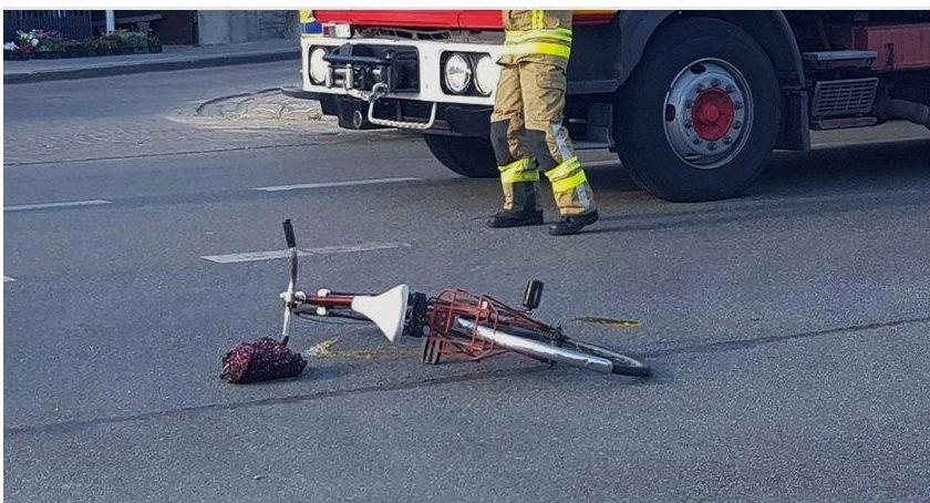 Wypadki drogowe , Potrącenie rowerzysty ustąpił pierwszeństwa - zdjęcie, fotografia