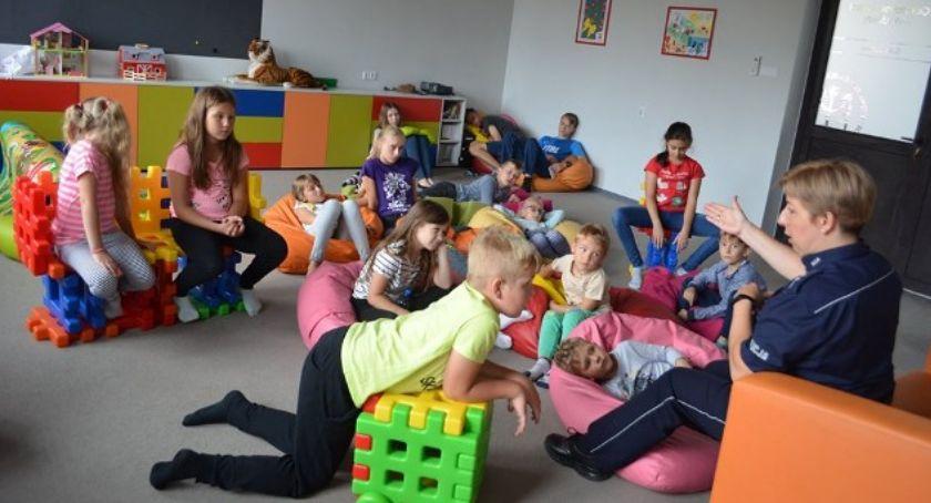 Inne Miejskie, Policyjne wakacyjne spotkania dziećmi - zdjęcie, fotografia