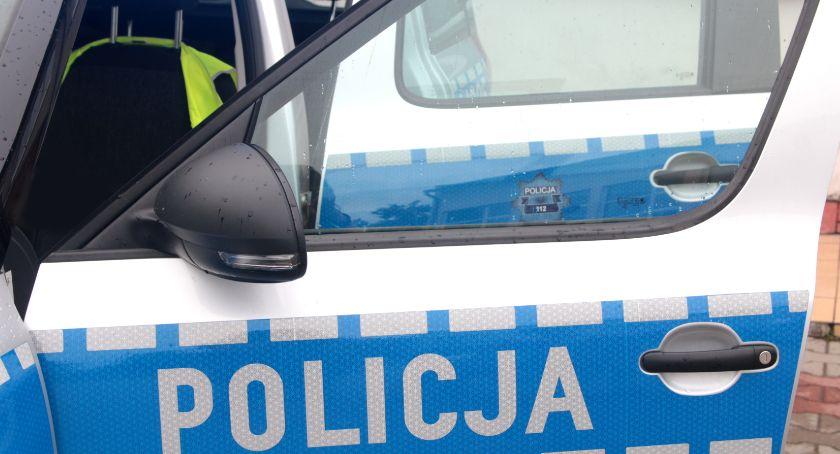 Sprawy kryminalne , parkingu skradziono samochód Policjanci ustalają sprawcę - zdjęcie, fotografia