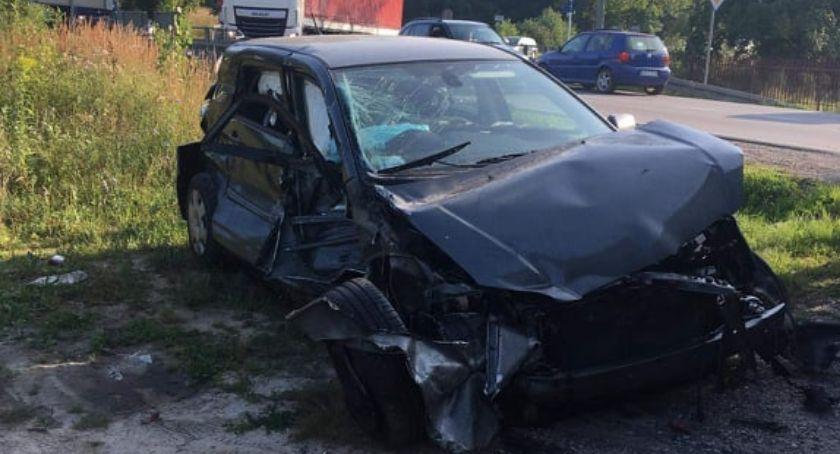 Wypadki drogowe , Wypadek Nietrzeźwy latek uderzył bariery - zdjęcie, fotografia