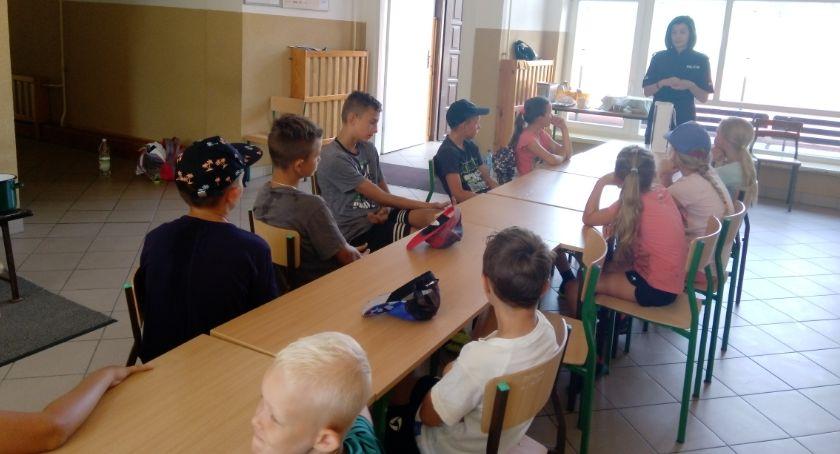 Inne Powiat, Nieletni zażywają dopalacze piją alkohol– Edukacja młodzieży przeciw uzależnieniom - zdjęcie, fotografia