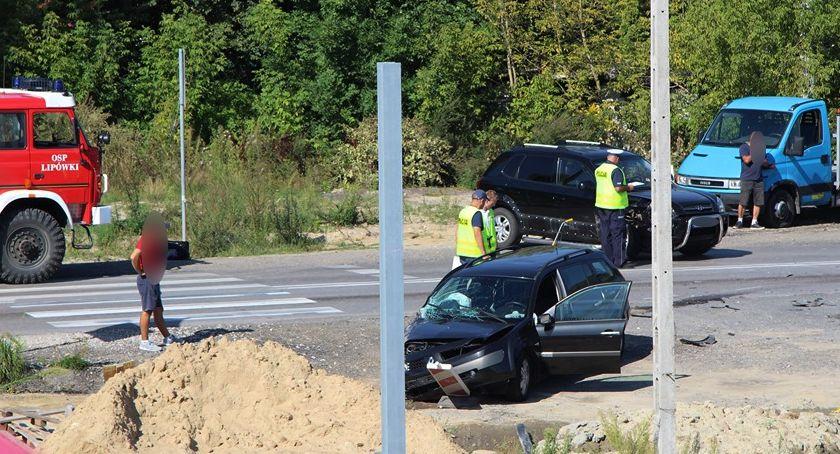Wypadki drogowe , Nieustąpienie pierwszeństwa zakończyło wypadkiem - zdjęcie, fotografia