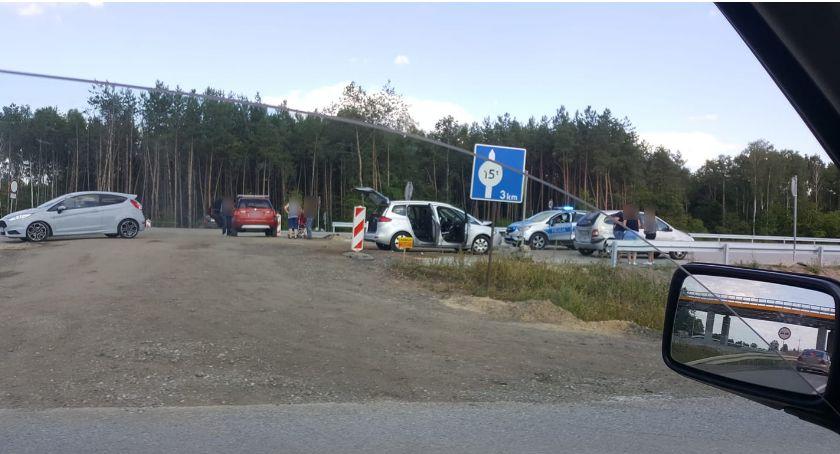 Wypadki drogowe , Kolizja samochodów remontowanej - zdjęcie, fotografia