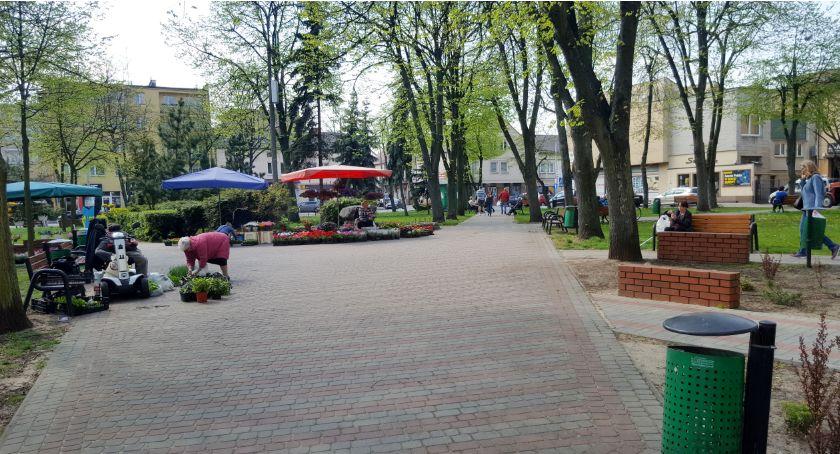 Inne Miejskie, Nagrody pieniężne koncepcję rewitalizacji Skweru Solidarności Konkurs - zdjęcie, fotografia