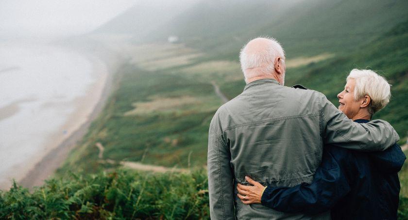 Inne Ciekawostki, Ubezpieczenie życie emeryta którą ofertę wybrać - zdjęcie, fotografia