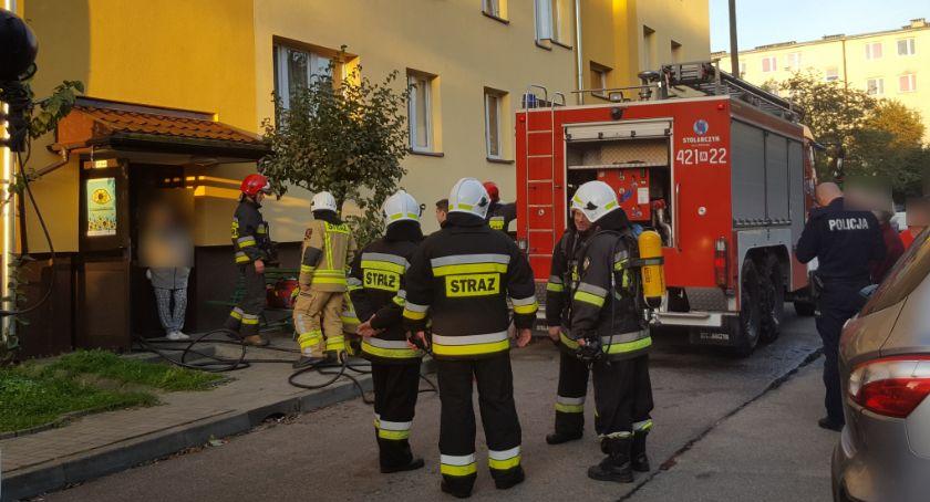 Pożary - interwencje straży, Pożar bloku Strażacy wyważyli drzwi Zastali spalone śniadanie - zdjęcie, fotografia