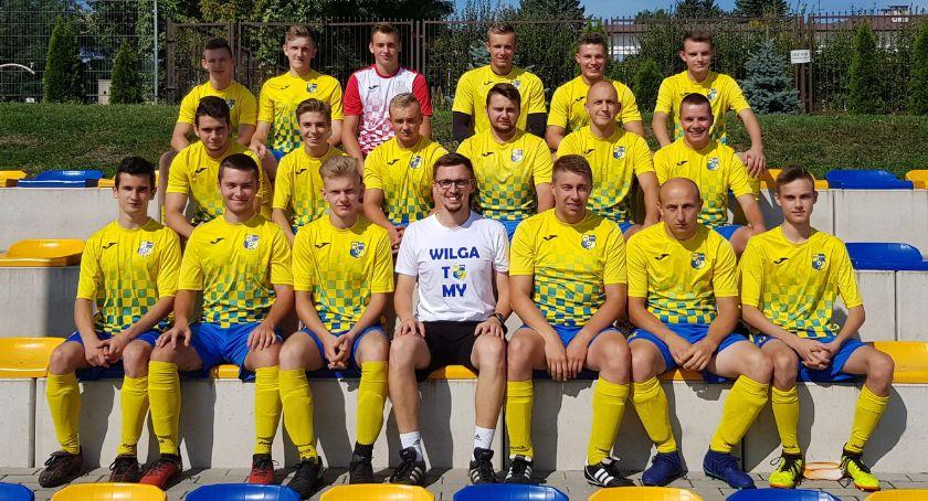 Piłka nożna, Wilga odbije - zdjęcie, fotografia