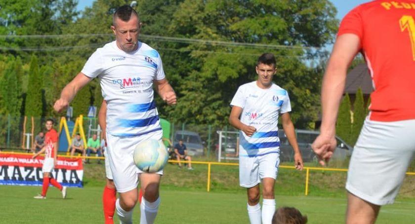 Piłka nożna, Hutnik grał Zobacz wynik wiceliderem - zdjęcie, fotografia