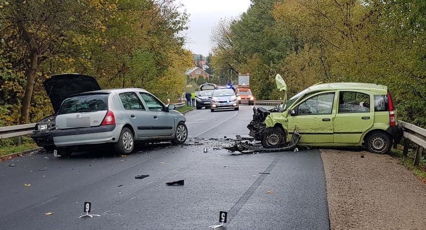Wypadki drogowe , Wypadek Rębkowskiej Zderzenie samochodów - zdjęcie, fotografia